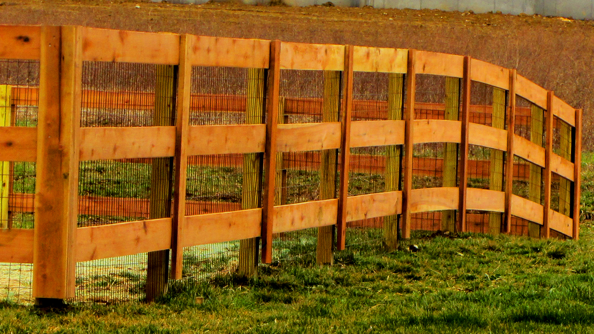 Ashlee Fence has a wood fence solution for you.